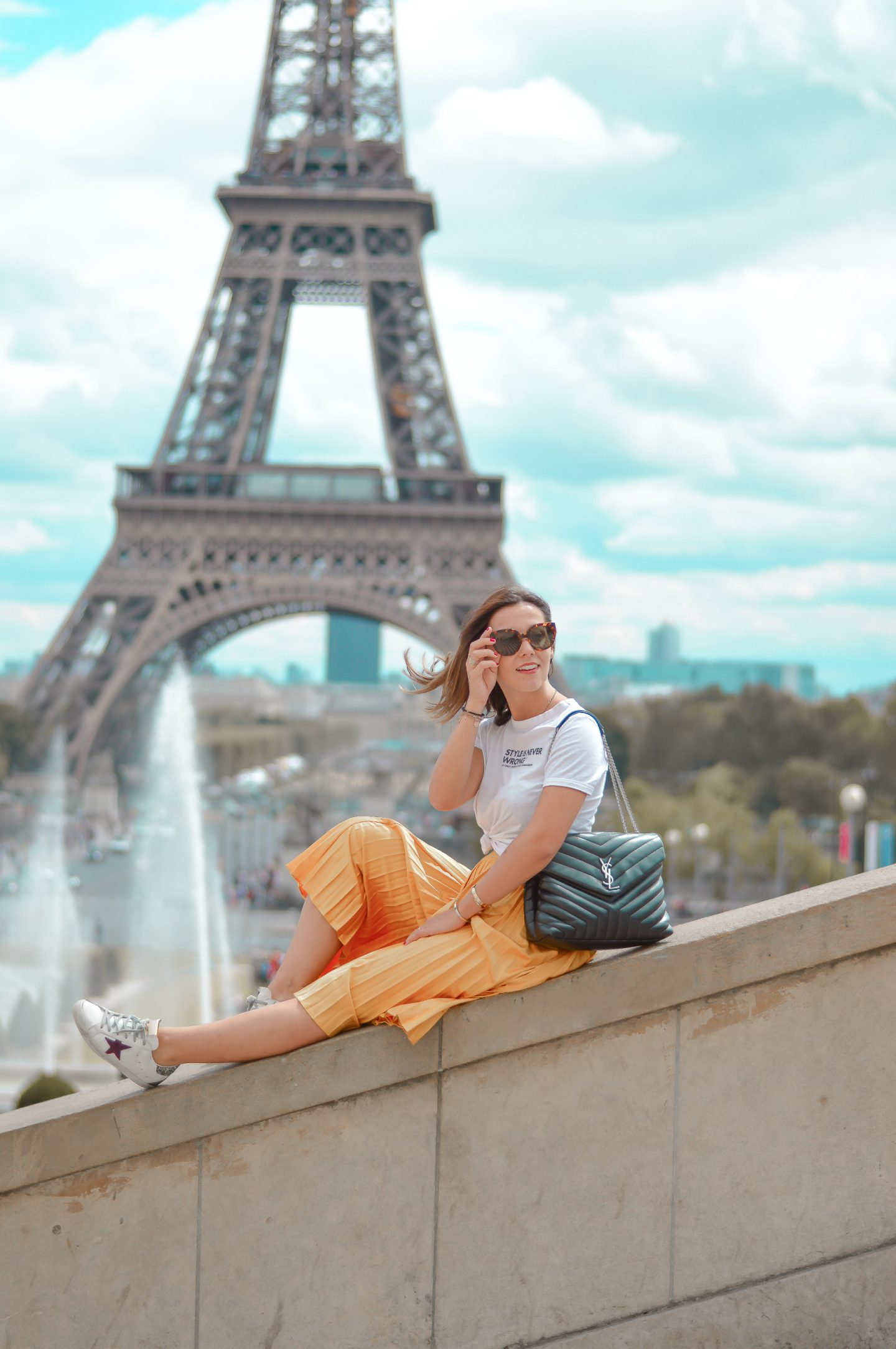 LA TENDANCE DU JAUNE – 1ER LOOK À PARIS